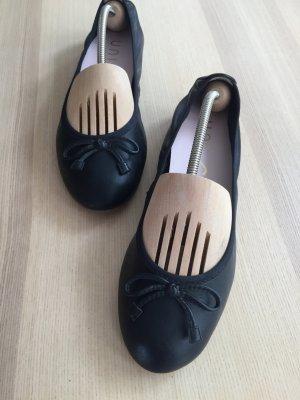 UNISA Ballerinas ACOR schwarz WIE NEU Gr. 38 Leder Echtleder Gummizug elastisch klassisch Schleifen Ballerina bequem NP 89,99 €