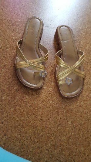 unisa Flip Flop in Gold