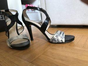 Unisa heels getragen