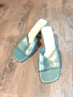 Mules turquoise-gold-colored