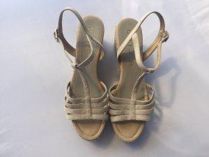 Unisa Sandalo con plateau crema Scamosciato