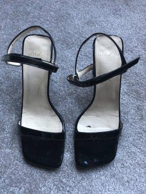 Unisa Strapped Sandals black-cream