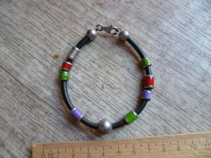 United Colors of BENETTON Armband made in Italy