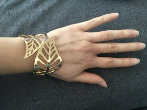Armlet sand brown metal