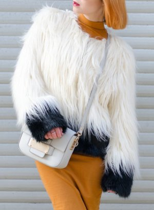 Fake Fur Jacket black-white