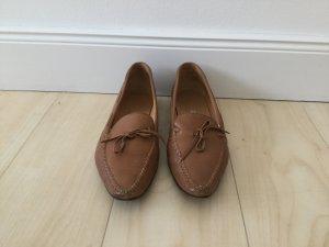 Unützer Loafer mit kleiner Schleife