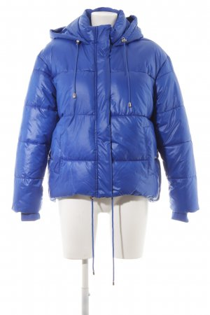 Urban Classics Winterjacke blau Street-Fashion-Look