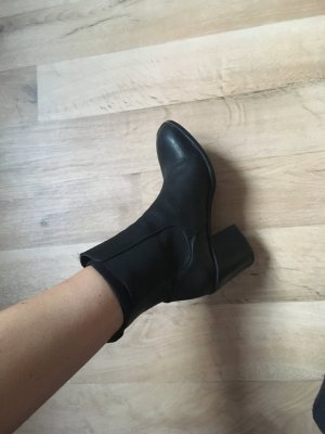 Urban Outfitters Botines negro
