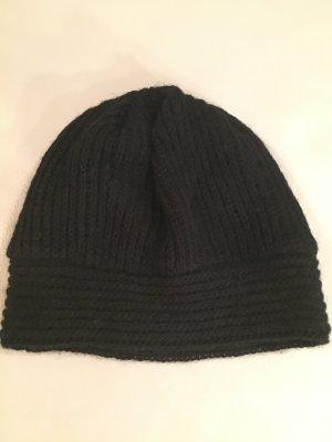 Chapeau en tricot noir laine
