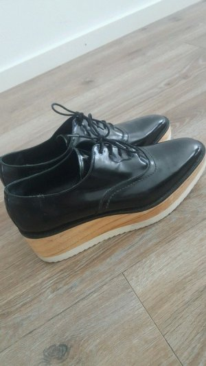 Uterqüe Wingtip Shoes black