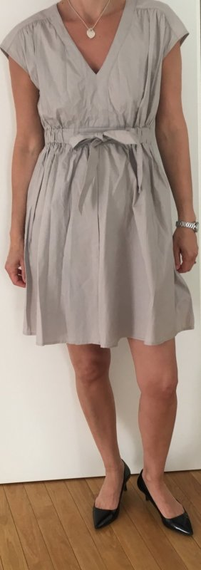 V Auscnitt Kleid