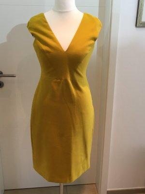 V Ausschnitt Etuikleid Zara in gelb