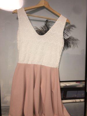 Vestido de encaje blanco-rosa claro