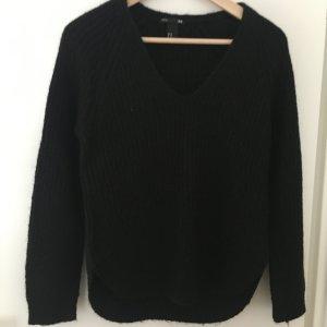 V-Ausschnitt-Pullover