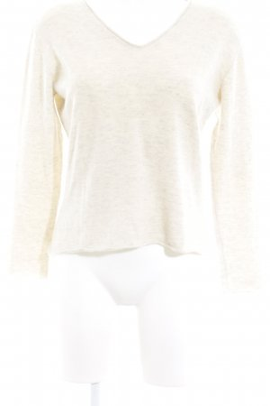 V-Neck Sweater cream casual look