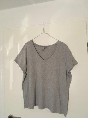 V-Ausschnitt T-Shirt grau