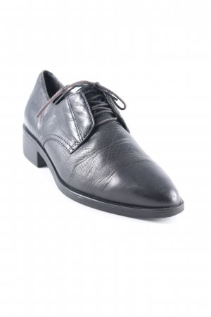 Vagabond Wingtip Shoes black business style