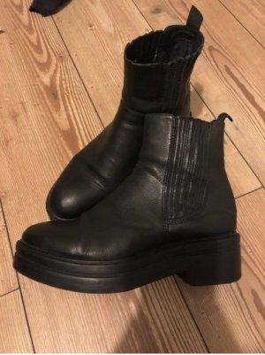 Vagabond Chelsea Boot noir cuir