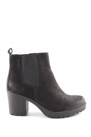Vagabond Platform Booties black casual look
