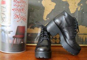 Vagabond Botas de tobillo negro Cuero