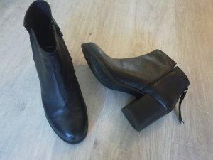 separation shoes 1231c b1afc Vagabond Ankle Boots black