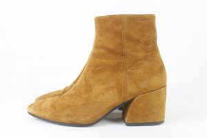 Vagabond Booties brown-cognac-coloured leather