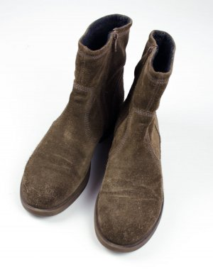 Vagabond Zipper Booties light brown suede