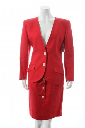 Valentino Tailleur rouge style d'affaires