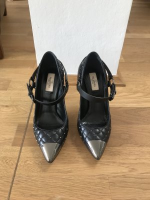 Valentino Rockstud Spike Pumps