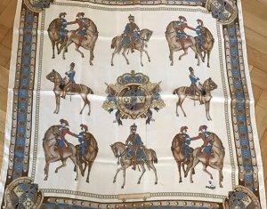 van Laack Seidentuch, beige mit Reitern und Wappen