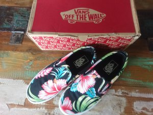 Vans Hawaiian Floral Black Slip-On Classic Gr. 38,5 bzw 6,5 NEU mit Etikett