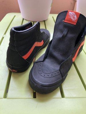 Vans High Top Sneaker black-red