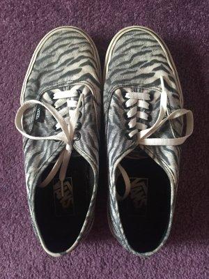 Vans Schuhe im weißen Tigerfell Print