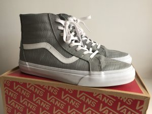 Vans sk8-hi zip sneaker size 41 croc leather grey