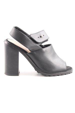 Vans Skater Shoes black casual look