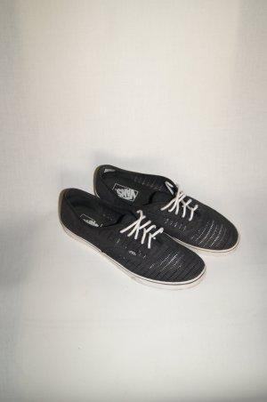 Vans Sneaker, Lowcut Schnürer, Halbschuhe, Schnürschuhe, Slipper, mit Lochmuster