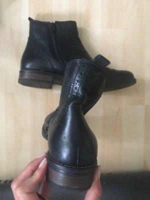 Varese Boots Ankleboots schwarz Leder Größe 41 eher wie 40