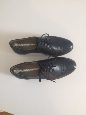 Varese Wingtip Shoes black
