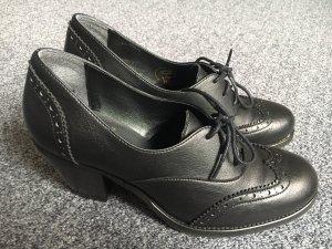 Escarpins à lacets noir faux cuir