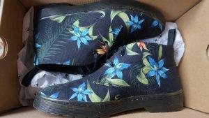 Vegane Desertboots mit hawaiianischen Muster
