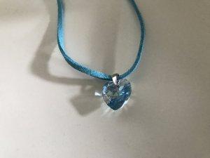 Collar azul claro-color plata