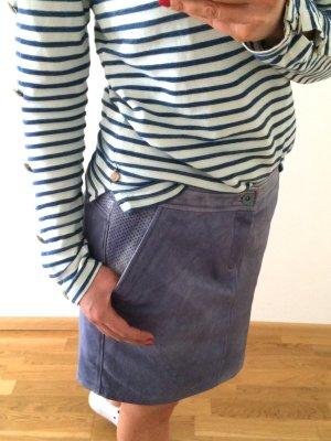 Veilchenblauer Echtlederrock von Esprit