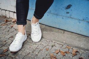 Sneakers met veters zwart-wit