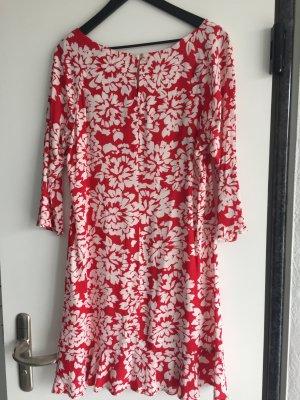 Velvet Kleid einmal getragen wie neu   in rot/wollweißes