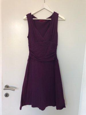 Velvet Kleid tailliert