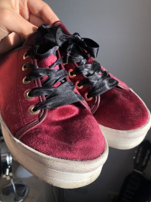Bata Chaussure skate rouge carmin-bordeau