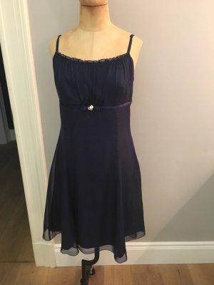 Vera Mont Cocktail Kleid blau Gr. 38 top Zustand
