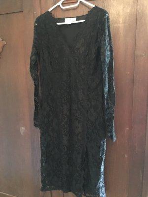 Verführerisch +++ Schwarzes Spitzen-Kleid