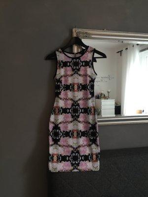 Verführerisches Blümchen Kleid