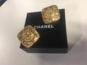 Chanel Pendientes de clip color oro